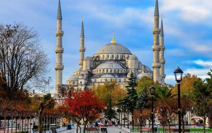 Pesona Islam Dari Negeri Dua Benua